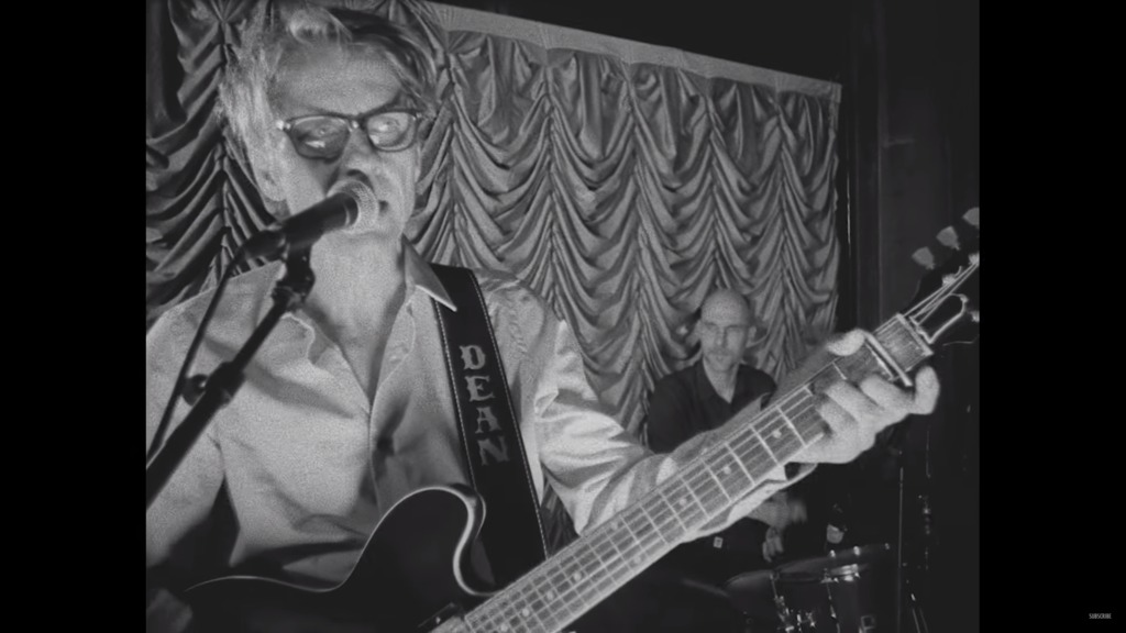 Dean Wareham of Luna in the video for Fire in Cairo
