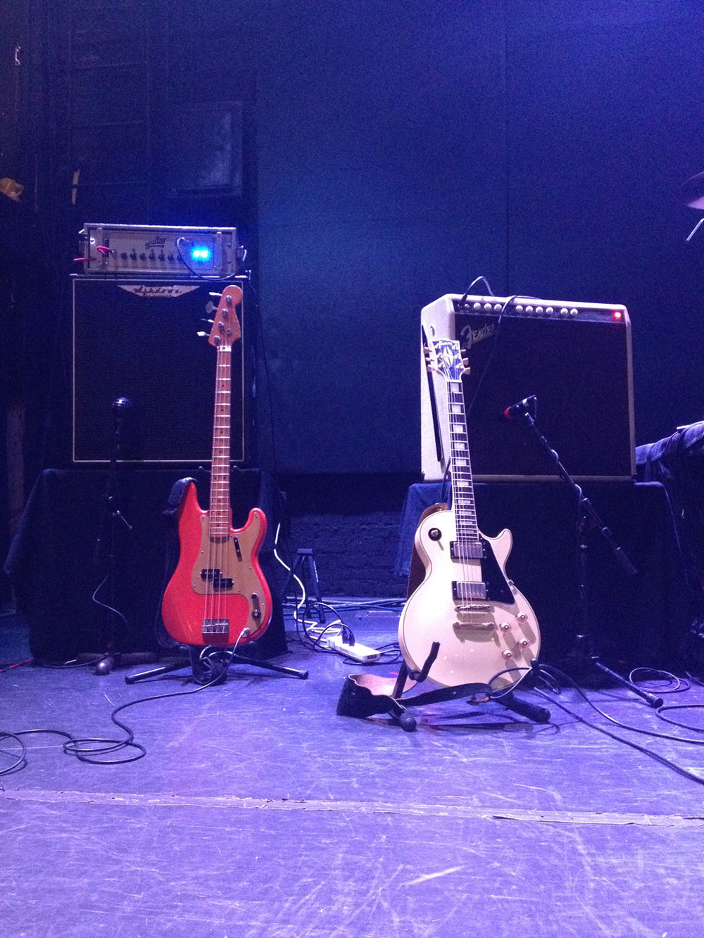 The white guitar was back (Photo: Joakim)